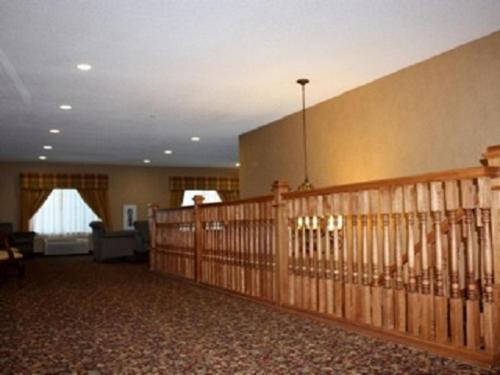 Town & Country Inn and Suites Photo