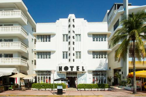 C Ocean Suites on Ocean Drive Photo
