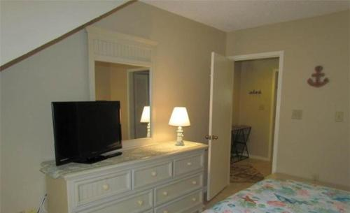 Queensway Condo 8600 13-D Photo