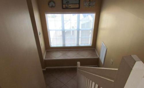 Queensway Townhome 8600 4-E Photo