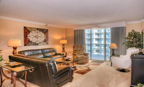 Queensway Condo 9840 1106 Photo