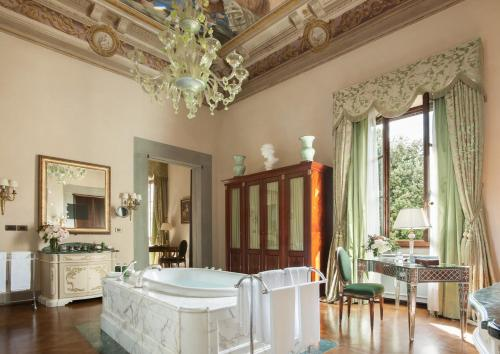 Four Seasons Hotel Firenze photo 70