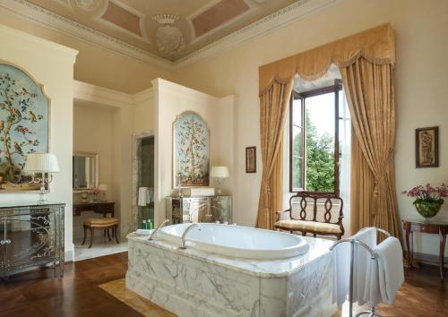 Four Seasons Hotel Firenze photo 73