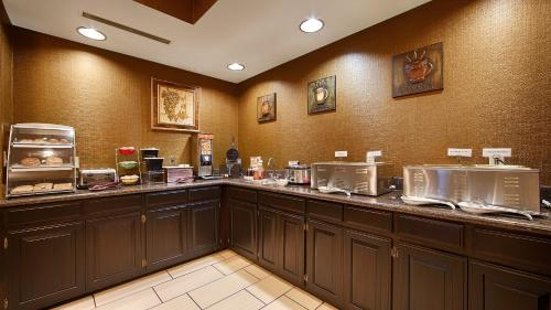Best Western Plus Searcy Inn Photo
