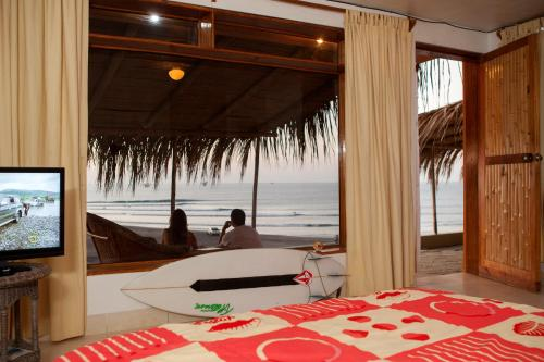 Lobitos Surf House Photo