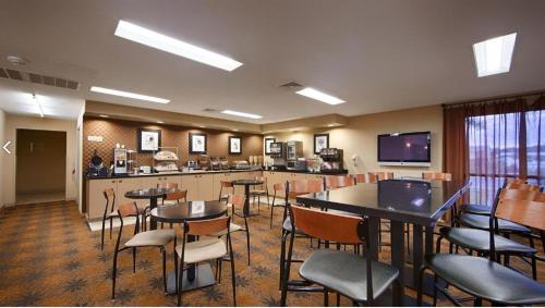 Best Western Inn & Conference Center Photo