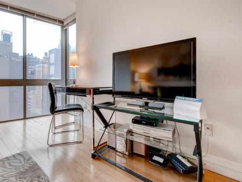 Global Luxury Suites at 800 6th Avenue Photo
