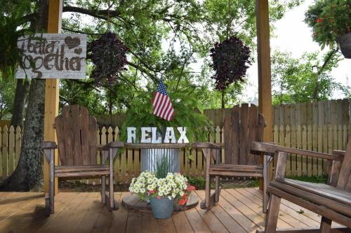 All About Relaxing RV Park – A Cruise Inn Park Photo