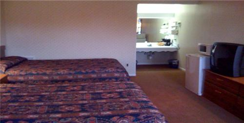 Relax Inn Lewisburg Photo
