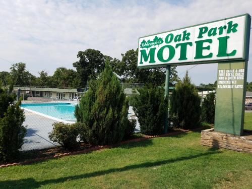 Oak Park Motel Photo