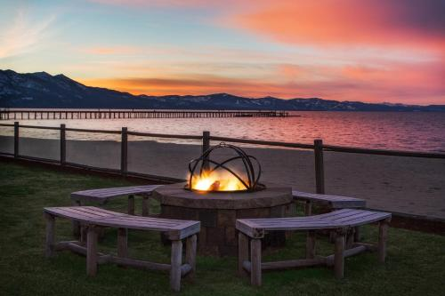 Tahoe Lakeshore Lodge & Spa Photo