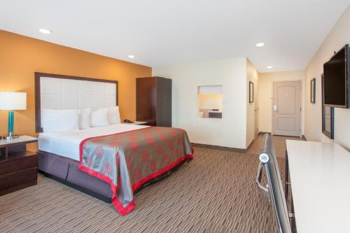 Ramada Culver City photo 9