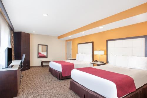 Ramada Culver City photo 16