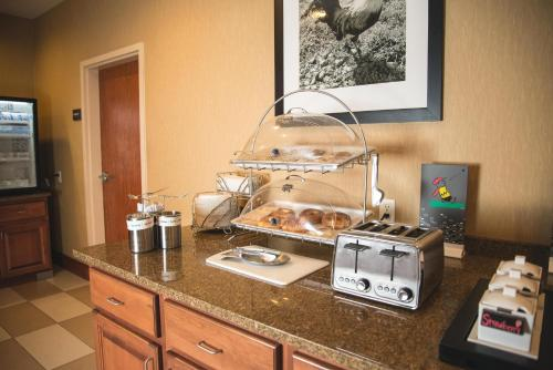 Hampton Inn & Suites Greeley Photo