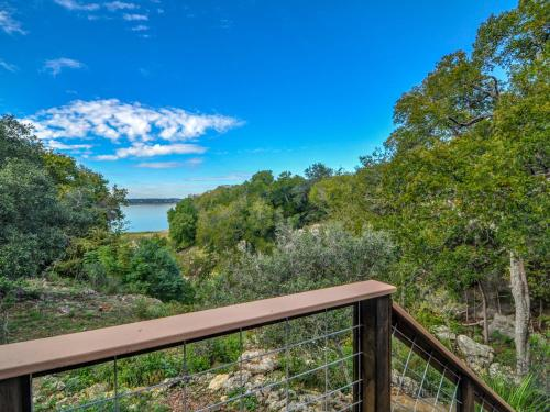 Canyon Cove Retreat At Canyon Lake Photo