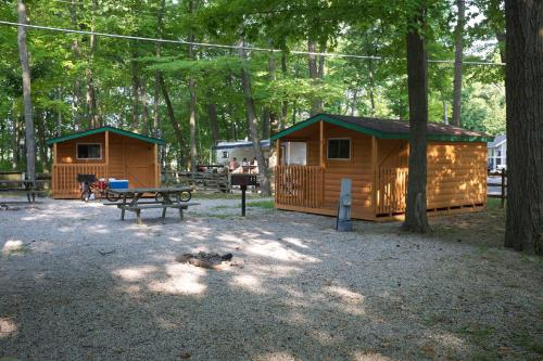 Plymouth Rock Camping Resort Studio Cabin 2 Photo