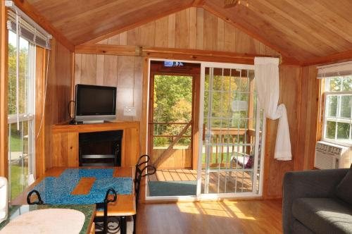 Plymouth Rock Camping Resort Deluxe Cabin 18 Photo