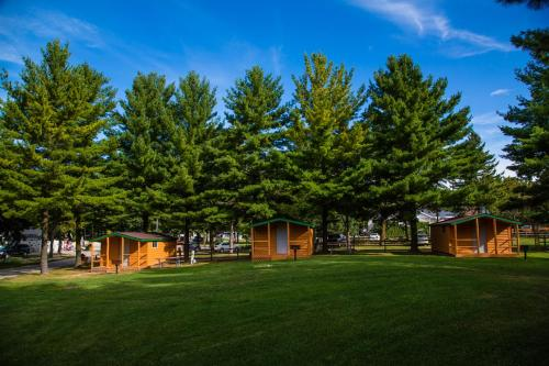 Plymouth Rock Camping Resort One-Bedroom Cabin 9 Photo