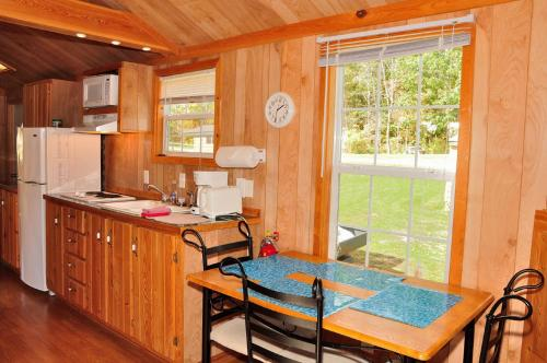 Plymouth Rock Camping Resort Deluxe Cabin 17 Photo
