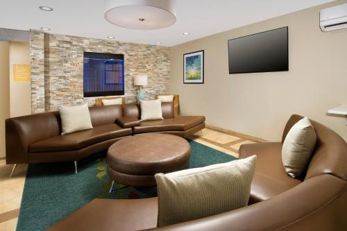 Candlewood Suites Richmond - South photo 19