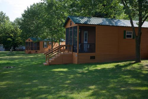 Plymouth Rock Camping Resort Deluxe Cabin 14 Photo