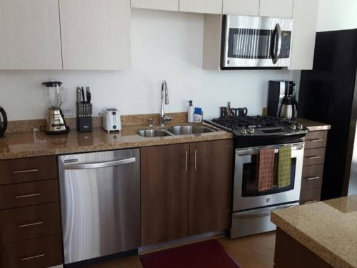 Mid-Wilshire : 5/5 Star High-rise (3 Real Beds) Photo