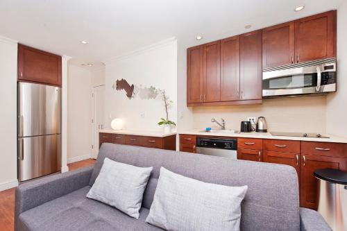 Luxury One Bedroom Apartment - Garment District Photo