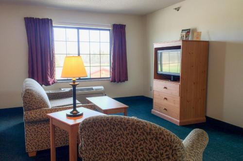 White Oak Inn and Suites Photo