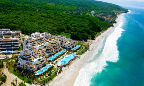 Los Veneros Beachfront Luxury Residences Photo