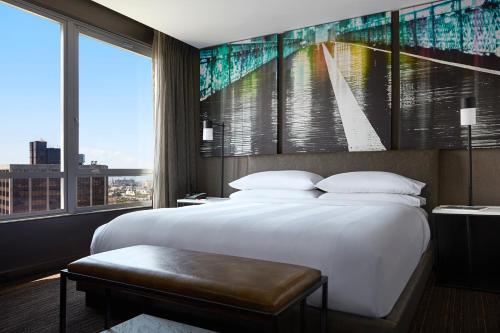 New York Marriott at the Brooklyn Bridge Photo