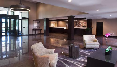 Embassy Suites Philadelphia - Airport Photo