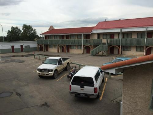 Leroys Motor Inn Photo