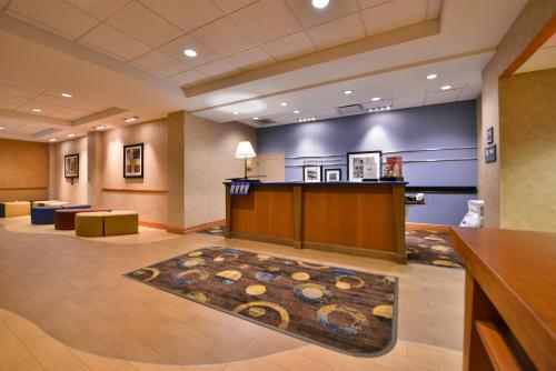 Hampton Inn Virginia Beach-Oceanfront South Photo