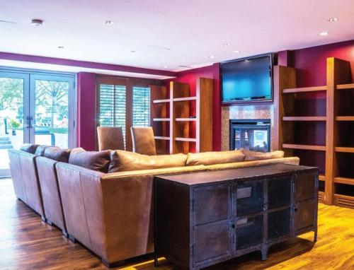 Global Luxury Suites at Fenway Park Photo