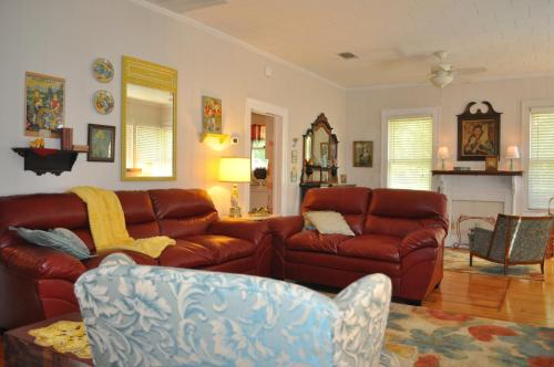 Flossie's Corner Bed & Breakfast Photo