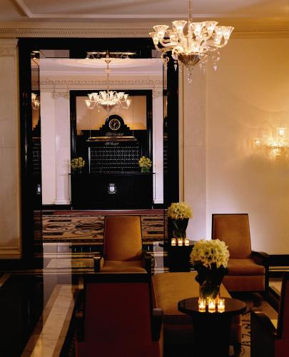The Carlyle, A Rosewood Hotel Photo