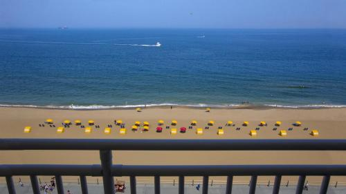 Hilton Garden Inn Virginia Beach Oceanfront Photo