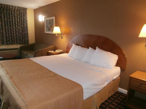Americas Best Value Inn Hawkinsville Photo