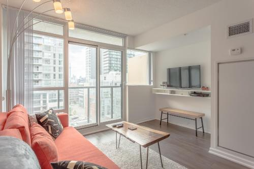AOC Suites - Luxury Condo - City/CN Tower View Photo