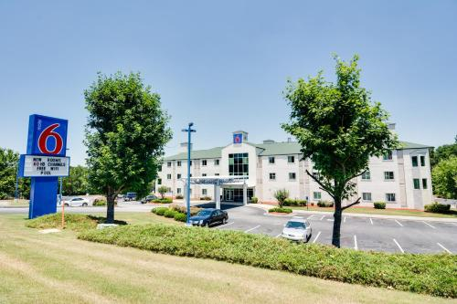 Motel 6 Atlanta Lithia Springs Photo