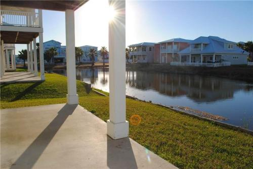Aransas Tarpon - Five-Bedroom Holiday Home - Port Aransas, TX 78373