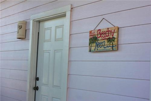 Beachy Keen - Five-Bedroom Holiday Home - Port Aransas, TX 78373