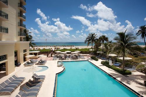 Hilton Singer Island Oceanfront Resort Photo
