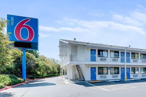 Motel 6 Bellingham Photo