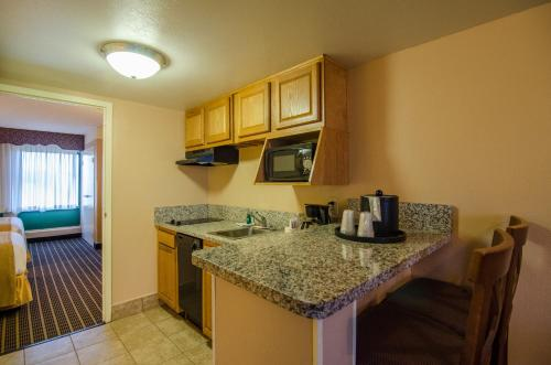 Quality Suites Orlando Kissimmee The Royale Parc Suites photo 40