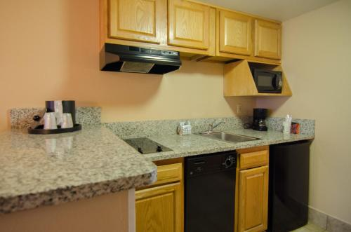 Quality Suites Orlando Kissimmee The Royale Parc Suites photo 41