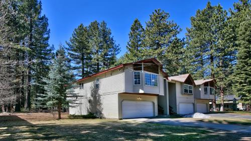 Stunning Modern Townhouse Near Beaches - South Lake Tahoe, CA 96150
