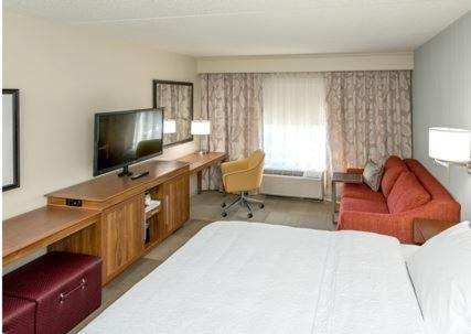 Hampton Inn by Hilton Spring Hill, TN Photo