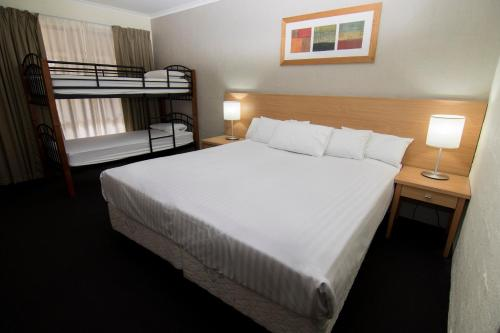 ibis Styles Canberra Eagle Hawk photo 74
