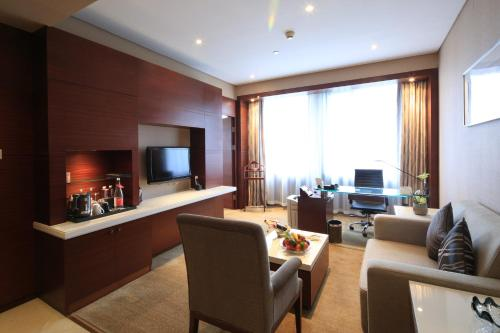 Ramada Plaza Shanghai Caohejing Hotel photo 39